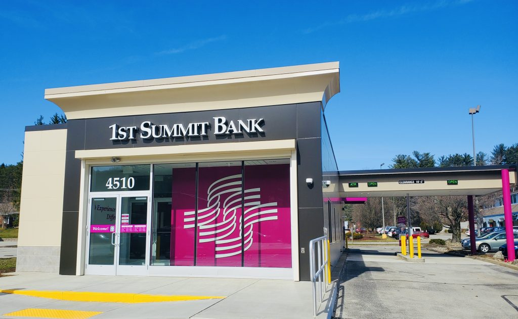 Exterior of the Murrysville, PA community office of 1ST SUMMIT BANK