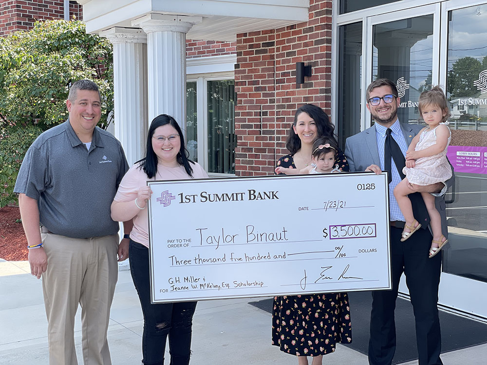 Taylor Binault is winner of 1ST SUMMIT BANK Scholarship for 2021